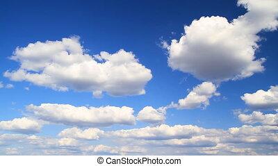 nuvens, em, a, céu, timelapse