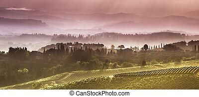 nuvens, em, a, colinas, de, tuscany, em, a, começo matutino