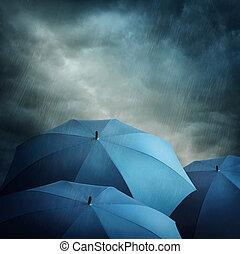 nuvens escuras, e, guarda-chuvas