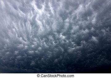 nuvens escuras, thunderstorm