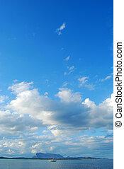 nuvens, mar, velejando