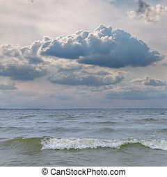 nuvens, sobre, dramático, baixo, mar, ondas