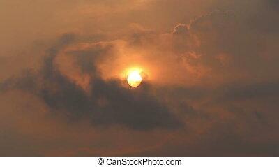Nuvens, sol, voando, contra, atrás de, escondido, Pássaros, vista