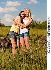nyár, két, fiatal lány, barátok, nap