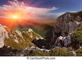 nyár, táj, alatt, a, hegy., napkelte