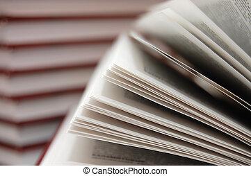 nyílik, tankönyv
