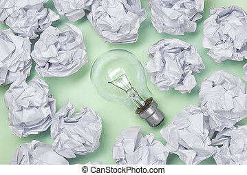 ny ide, begreb, hos, crumpled, kontor, avis, og, lys pære