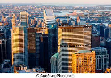 ny york city, skyskrabere, hos, solnedgang, -, midtown manhattan, skyline