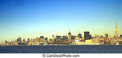 NYC SKYLINE 38 - New York City - view from accross the river...