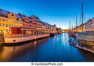 nyhavn, copenhague, coucher soleil
