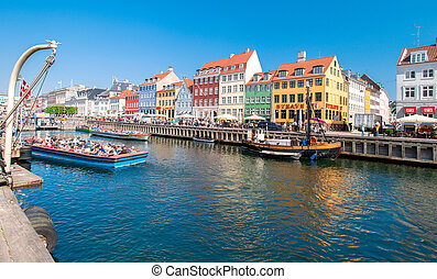 Nyhavn in Copenhagen Denmark - COPENHAGEN - MAY 18: Nyhavn ...
