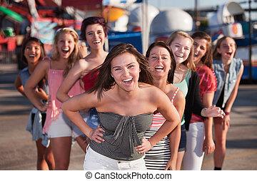 nyolc, lány, nevető