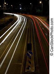 Nyomoz, Forgalom, fény