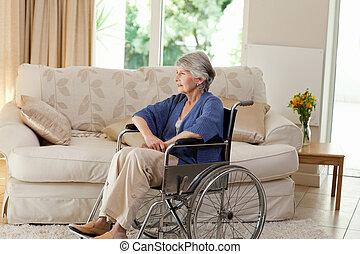 nyugdíjas, nő, alatt, neki, tolószék