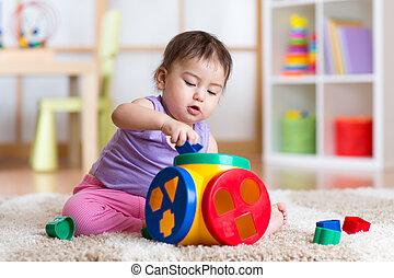 oświatowa zabawka, gry, domowy, dziewczyna, koźlę