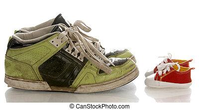 o, bambino, vecchio, scarpe infantili, grande, nuovo