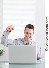 o, do góry szczelnie, biznesmen, email, szczęśliwy