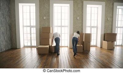 o, izba, bardzo, para, młody, ruchomy, nowy, podniecony szczęśliwy
