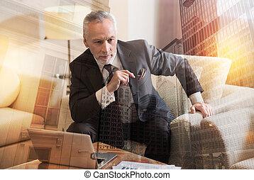 o, zadumany, handlowy, myślenie, plan, nowy człowiek