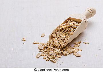 oat flakes with scoop