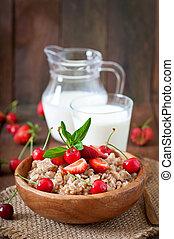 Oatmeal porridge with berries