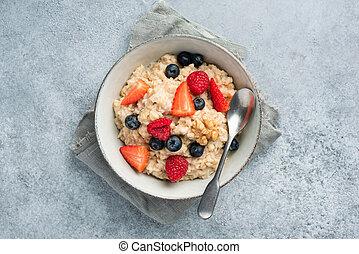 Oatmeal porridge with summer berries