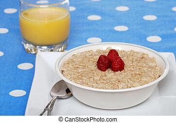 oatmeal with raspberries