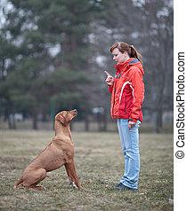 obediente, ella, perro, maestro