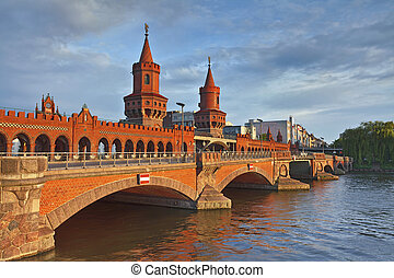 Oberbaum Bridge, Berlin. - Image of Oberbaum Bridge in...