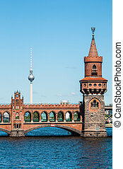 Oberbaum bridge - view of the Oberbaum bridge in Berlin