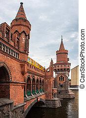Oberbaumbruecke in Berlin