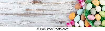 oberirdische ansicht, von, ostereier, innerhalb, korb, mit, tulpen, weiß, rustic, holz