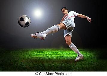 objetivo del fútbol, jugador, luz, después, campo, estadio, ...