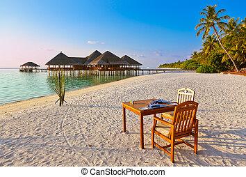 obrazný ostrov, výčep, maldives