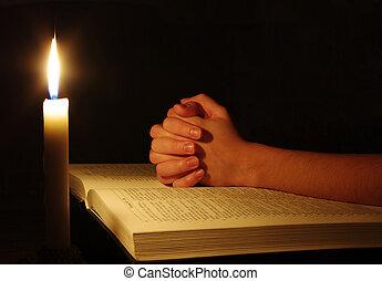obreros rezando