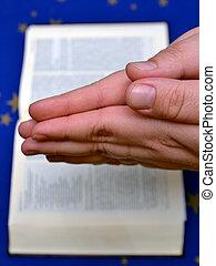 obreros rezando, y, un, biblia