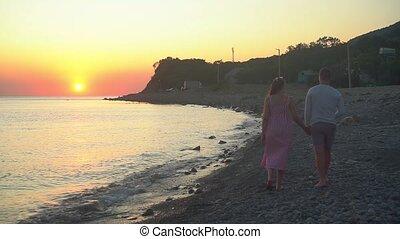 obrona, brzeg, ich, młody, wzdłuż, morze, mariaż, zasłona, pieszy, frame., przeciw, zachód słońca