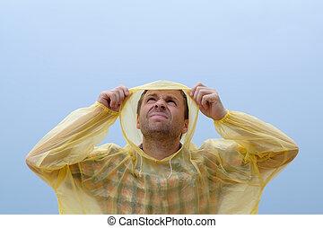 obtenir, mouillé, jeune, pluie, storm., sous, pendant, caucasien, homme