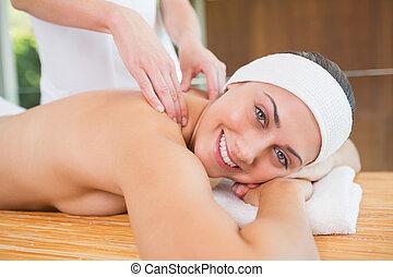 obtenir, sourire, massage dorsal, femme