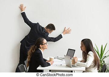 obtenir, travail, terne, équipe, homme affaires, percé, réunion, routine