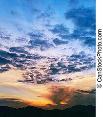 ocaso, encima, el, montañas, tailandia