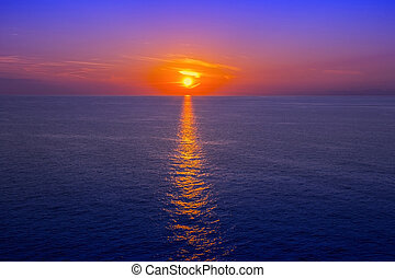 ocaso mar, com, reflexão, em, água, como, fundo