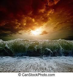 ocaso, mar tempestuoso