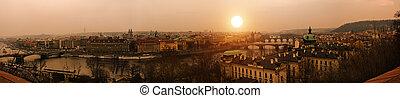 ocaso, praga, pueblo viejo, río vltava, y, puentes, panoranic, vista