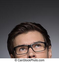 occhiali, grigio, su, immagine, uomini, giovane, raccolto, isolato, dall'aspetto, mentre, sognare, of?