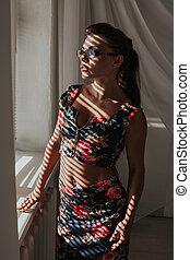 occhiali, ragazza, affari, moda, finestra, leva piedi