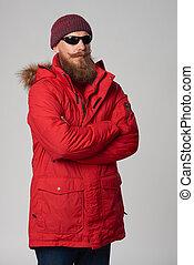 occhiali sole indossare, giacca inverno, rosso, uomo