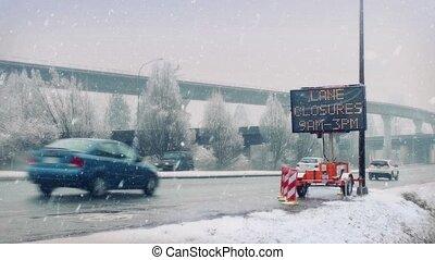 occupé, autoroute, dans, lourd, chute neige