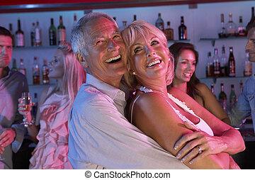 occupé, barre, couple, amusement, personne agee, avoir