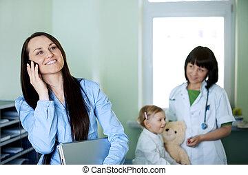 occupé, fille, elle, docteur, femme affaires, prendre
